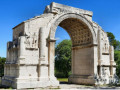 Provence small group Day Tour from Marseille/Aix, expert tour guide for Baux de Provence, Arles, Saint-Remy - Tue/Thu/Sat