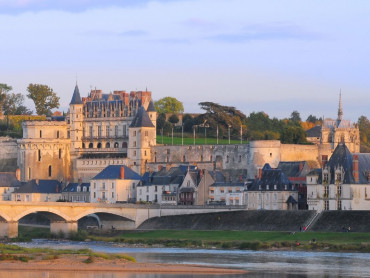 Small group tour from Paris to Loire Valley and Bordeaux - 8 days / 7 nights in 4*hotel