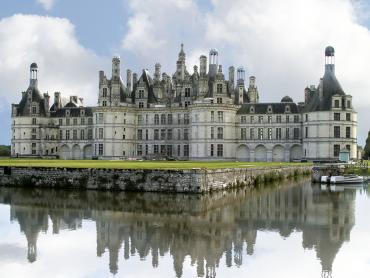 Visita guiada no Vale do Loire, circuito com 3 castelos e 1 vinhedo em 2 dias + 1 noite em hotel** em Tours